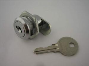 a locksmith explaining locks