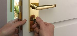 locksmith bournemouth sash lock